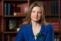 Председатель Экспертного совета «PRO Образование — 2015″ Наталия Золотарева обратилась с приветствием к участникам конкурса