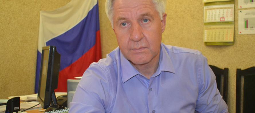 Юрий Сарыгин (о не парном шелкопряде): «… опасность в скрещивании различных рас и возникновения новых популяций вредителя…»