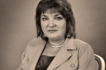 Художник-эмальер Елена Денисова:  «Финифть — вечная живопись в глазури»