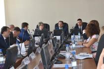 Владимир Сысоев провел совещание с крупнейших работодателей региона по вопросу взаимодействия с органами службы занятости населения