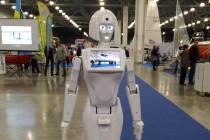 Робот Кики принял участие в обсуждении профориентационных программ для школьников на WorldSkills Hi-Tech