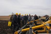 Фермерам Челябинской области представили новый сушильный комплекс и почвоорабатывающие орудия